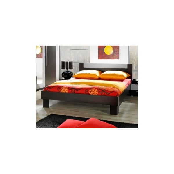 Moderní manželská postel s nočními stolky Veria we